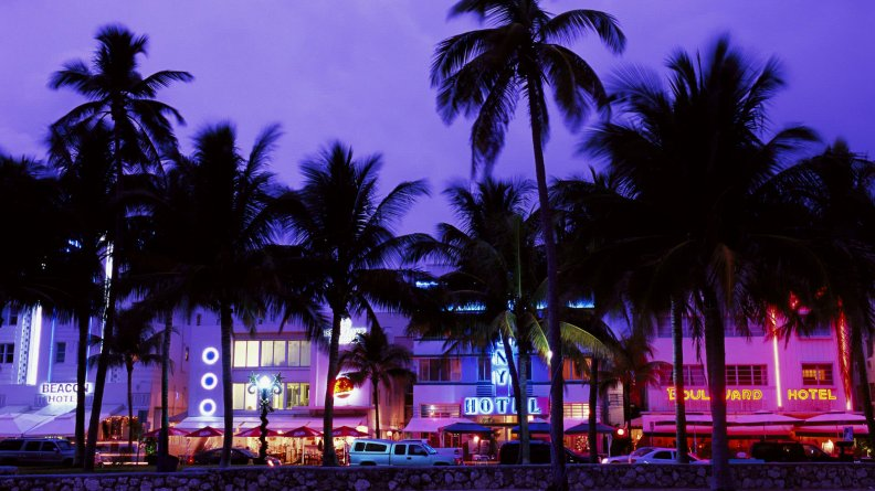 art-deco-district-south-beach-miami-beach-florida.jpg