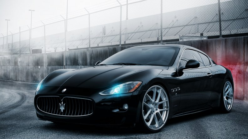 Maserati GT left front view_Ultra HD.jpg