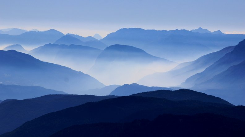 corno_nero_mountains_4k-3840x2160.jpg